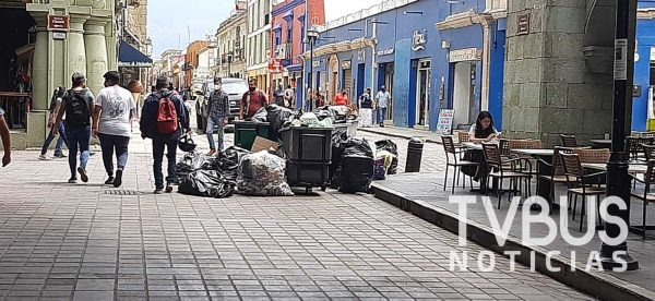 Una vez más calles de la capital se llenan de basura