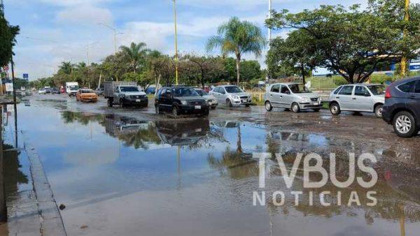 Baches y lluvia, la mortal combinación en la capital