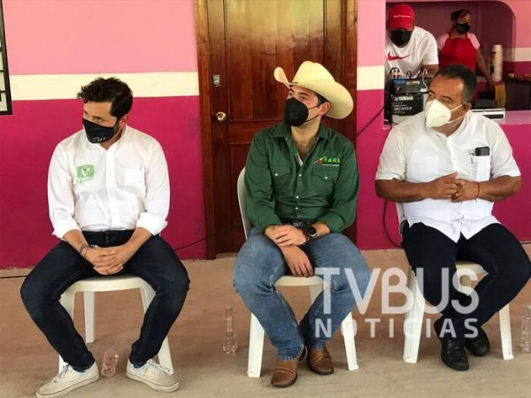 Con claro destape por la gubernatura, Raúl Bolaños Cacho visita la Cuenca del Papaloapan