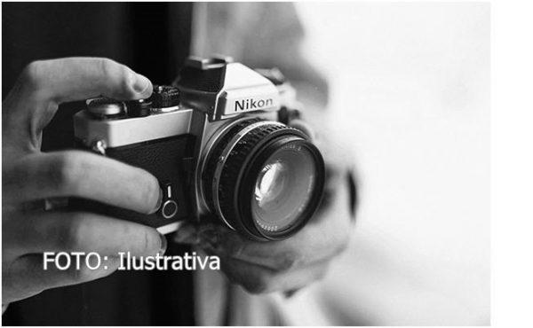 Con graduaciones escolares, fotógrafos de Tuxtepec ven respiro en su economía