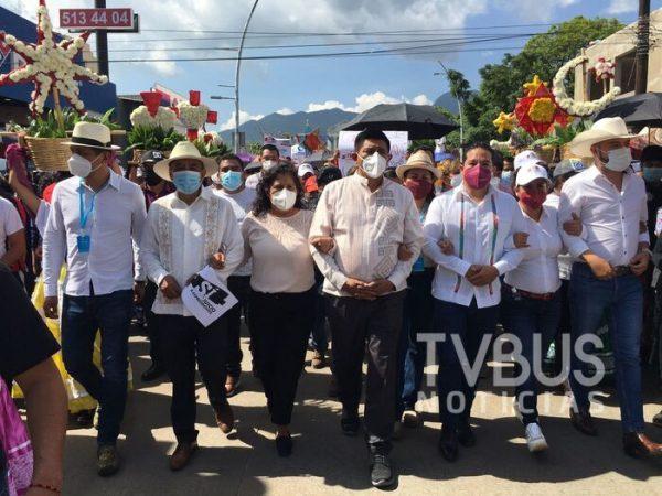 """Con marcha """"promoviendo"""" la consulta popular, Salomón Jara muestra músculo político"""