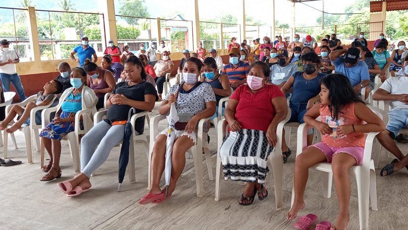 Habitantes amenazan con bloquear carretera a Valle Nacional, si CONAGUA no aclara recursos del muro en Tres Marías