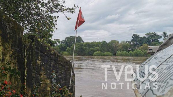 Por río revuelto y Covid-19, Capitanía de Puerto, suspende temporalmente servicio de embarcación en Paso Real, Tuxtepec