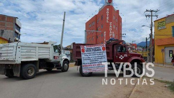 Transportistas de Oaxaca, denuncian adeudo de 8 meses en obra del Citybus en la capital