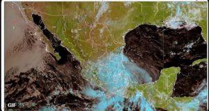Grace, ahora como tormenta tropical, se localiza a 20 kilómetros al norte de Texcoco, Estado de México