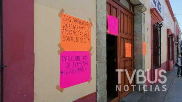 Por falta de pago, paran labores trabajadores limpieza y mantenimiento de los SSO en Oaxaca