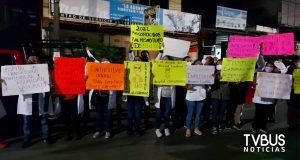 Protestan extrabajadores de salud en Oaxaca previo a mañanera de AMLO