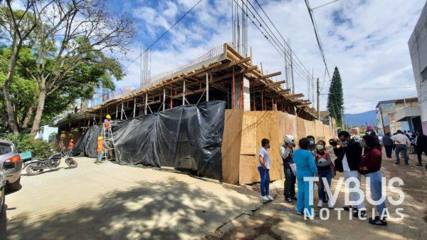 Vecinos de la colonia reforma en Oaxaca denuncian afectaciones por construcción de tienda Coppel