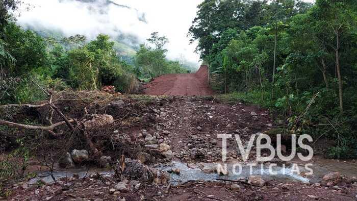 Tras 40 años de espera, comunidades de Valle Nacional logran por tequio camino vehiculares