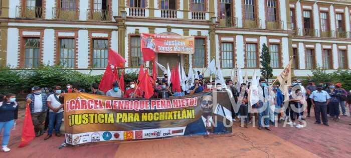 Integrantes del FPR y organizaciones aliadas, nuevamente se manifiestan en la fiscalía de Oaxaca