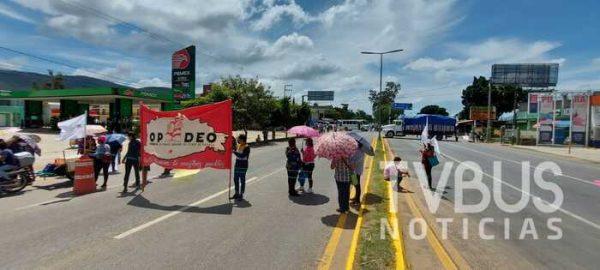 OPIDEO bloquea avenida Símbolos Patrios, exigen realización de obras en San Antonio de la Cal