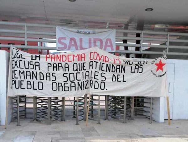Organización 23 de Octubre se manifiesta en dependencias del Gobierno de Oaxaca