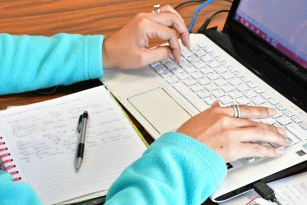 Invita IEEPO a docentes de educación básica a inscribirse en cursos en línea