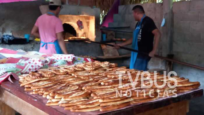 Se preparan panaderos de Santa Fe y la Mar, para recibir a visitantes durante festividades de día de muertos